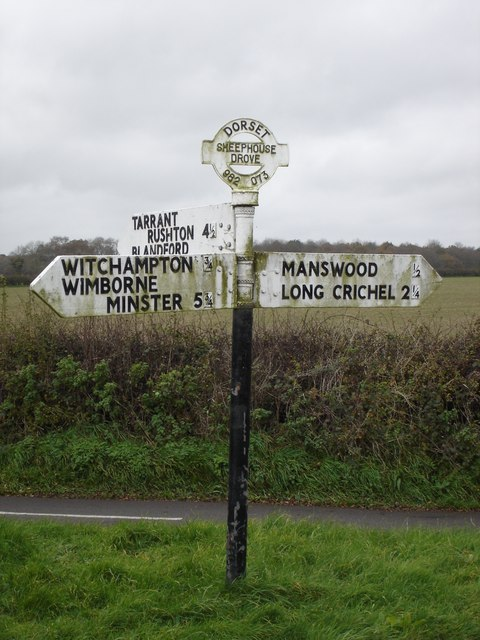 Signpost at Sheephouse Drove junction