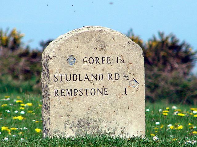 Milestone on Brenscombe Hill