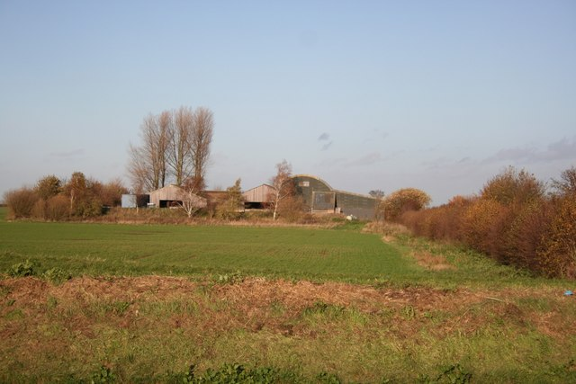 Farm buildings on Swaton Fen