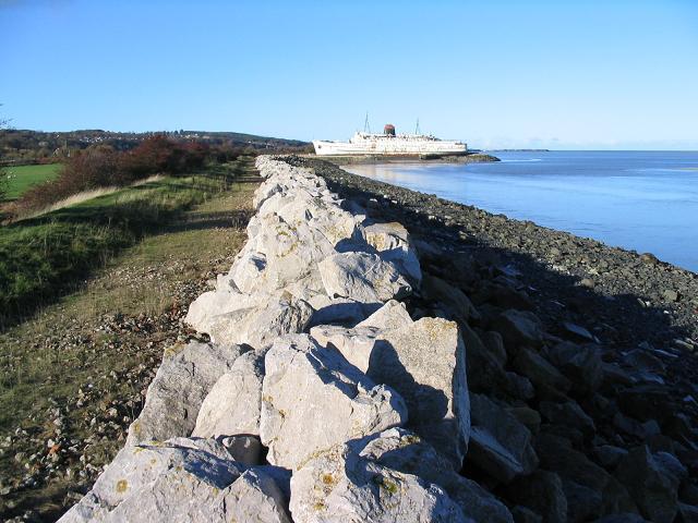 Footpath and coastal defences, Llannerch-y-môr