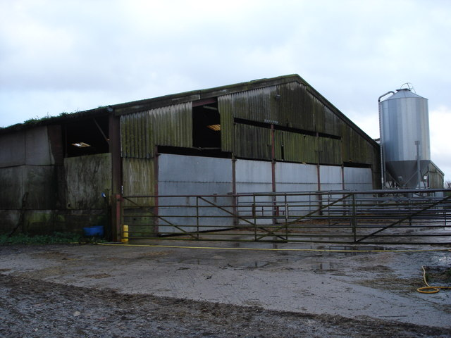 Pig shed on Lodge Farm, Ox Drove
