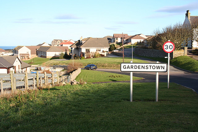 Entering Gardenstown from the south.