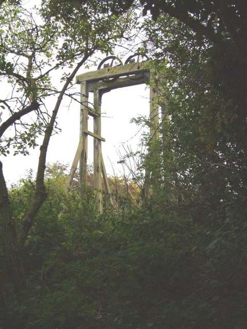 Turnip Lock gates at Hadley