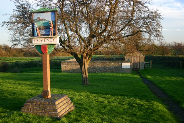 Coveney sign, village pound and lock-up.