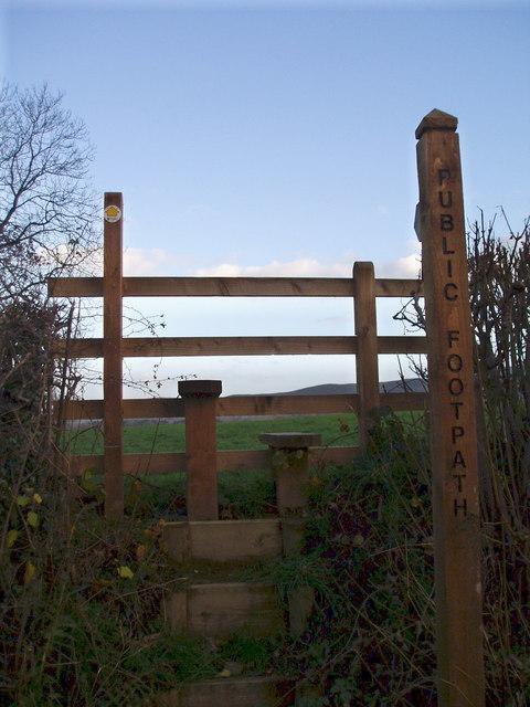 Footpath near Castle Hill Farm.