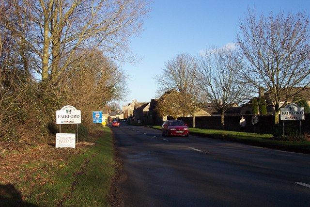 The approach to Fairford from the west.