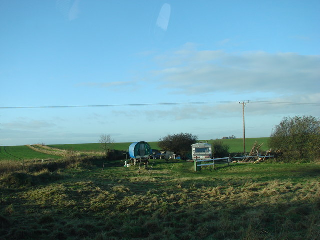 Travellers encampment on the New Sharlston to Warmfield Road