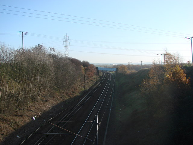 Bridge over the railway line near Bullenshaw Villas