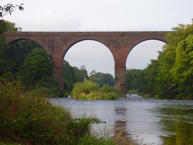 Railway bridge at Wetheral taken from the banks of the river