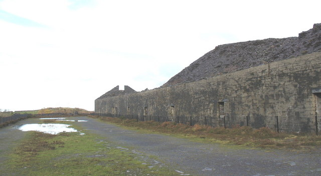 Sied  3 Mills and the Clwt Peilio Mawr