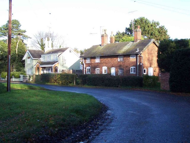 Cottages in Bishton