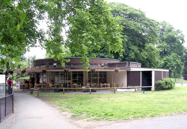 Cafe next to boating lake in Battersea Park