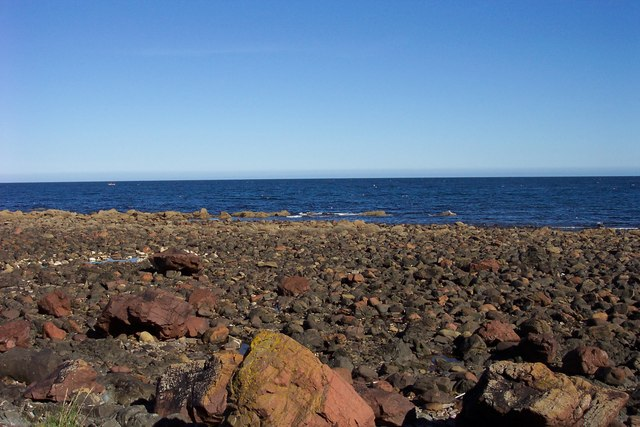 The rocky shore at Partanhall.