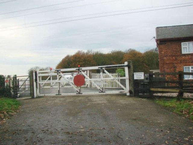 Heywood Level Crossing, Heywood Lane