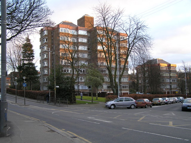 Co-ownership housing estate, corner of Langside Avenue and Tantallon Road