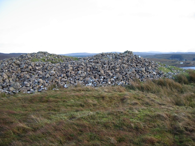 Chambered cairn at Feorlig
