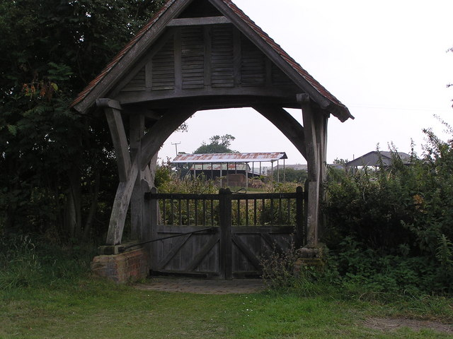 Lych gate and farm buildings, Edingthorpe