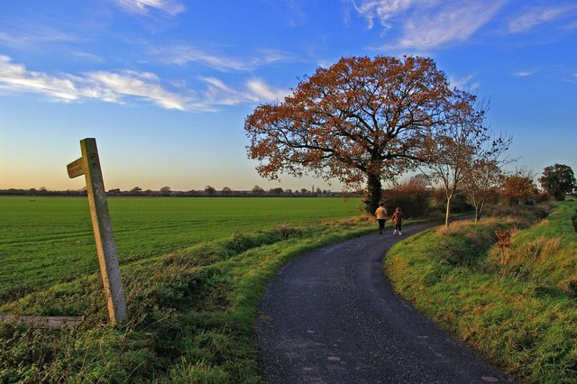Footpath to Chappel Farm