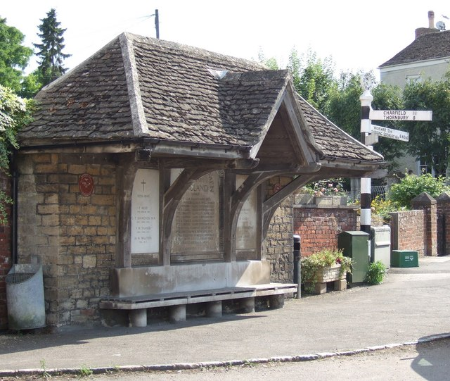 War Memorial Shelter and Fingerpost, Kingswood