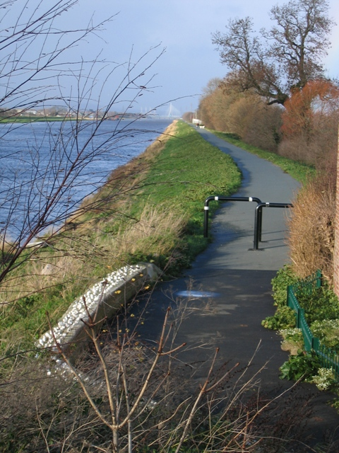 Cycleway at Higher Ferry