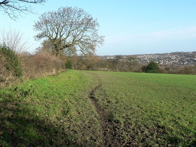 Leeds Country Way heading north on Hunger Hills, Horsforth