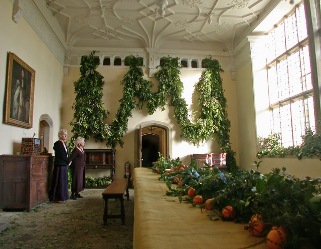 Tudor Christmas decorations at Trerice