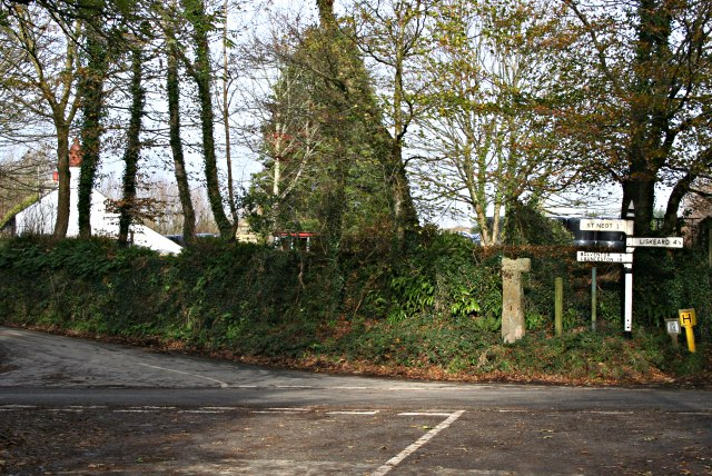 Wenmouth Cross