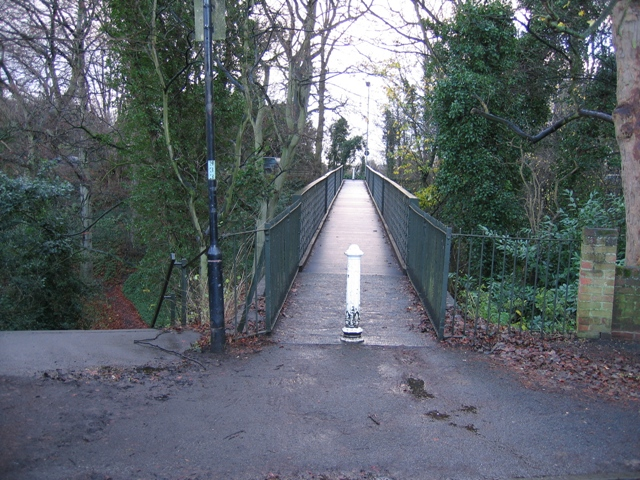 Footbridge over the Dingle