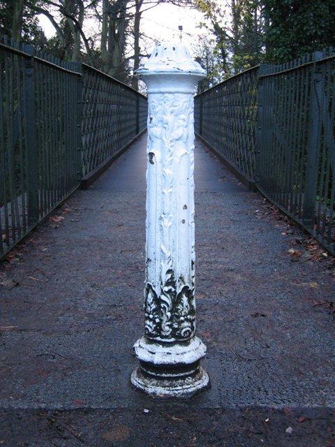 Bollard on the Dingle Footbridge