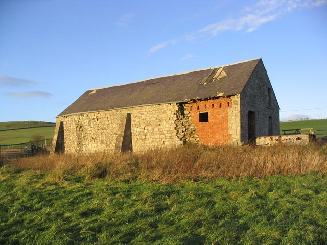 Derelict building near Southdean Lodge