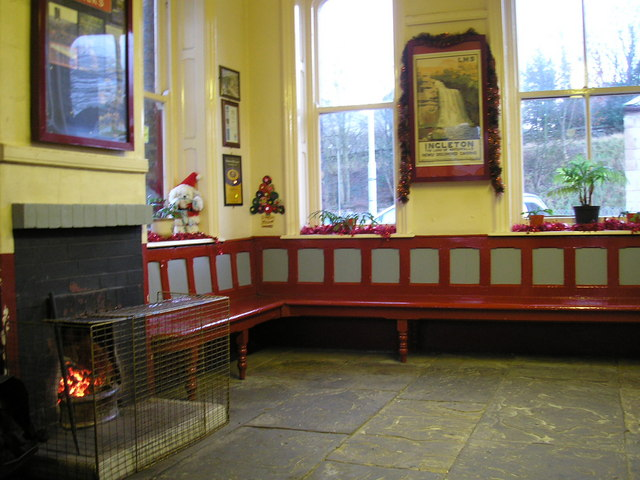 Settle Station waiting room