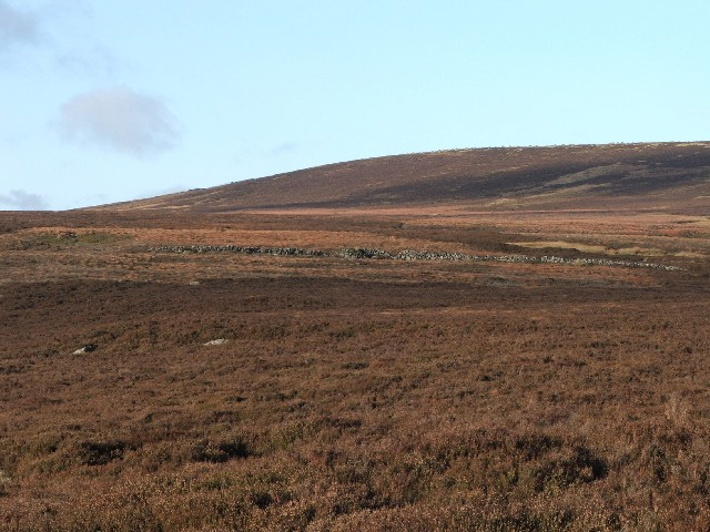 Short Drystone Wall on Long Band.