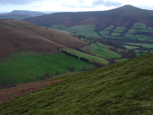 Cwm Beusych viewed from Blaen-yr-henbant
