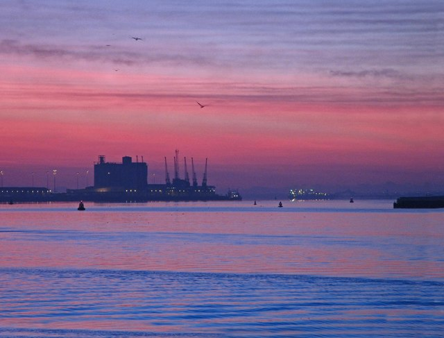 Sunrise Southampton docks