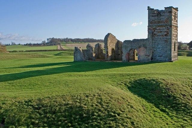 Remains of Knowlton Church & Circles