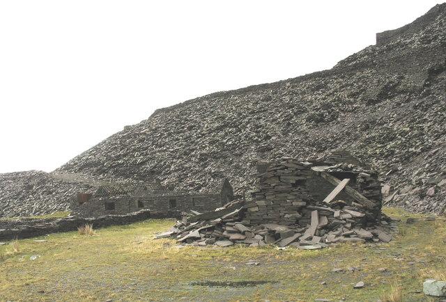 Ruined buildings at Upper Penrhydd