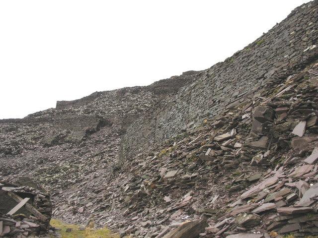 The stocking yard wall of Ponc Twlldwndwr viewed from Upper Penrhydd