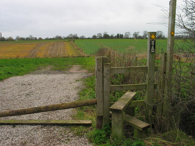 Path across the fields, Lower Peover
