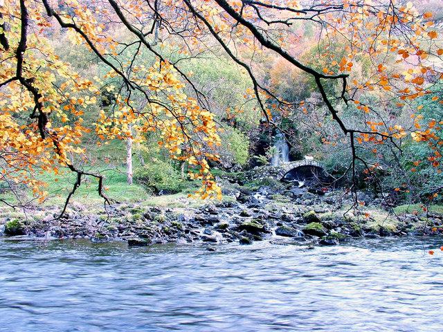 Allt dà Ghob meets the River Lyon