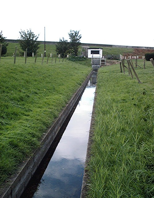 May  Avenue, Canvey Island - Drain and pumping station
