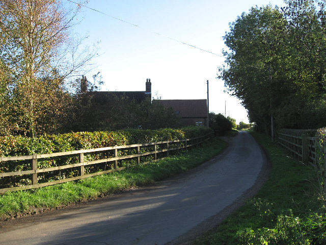Approaching Waite Farm Cottages
