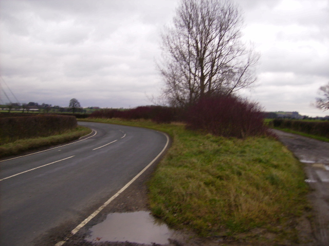 The B1363 south of Oswaldkirk
