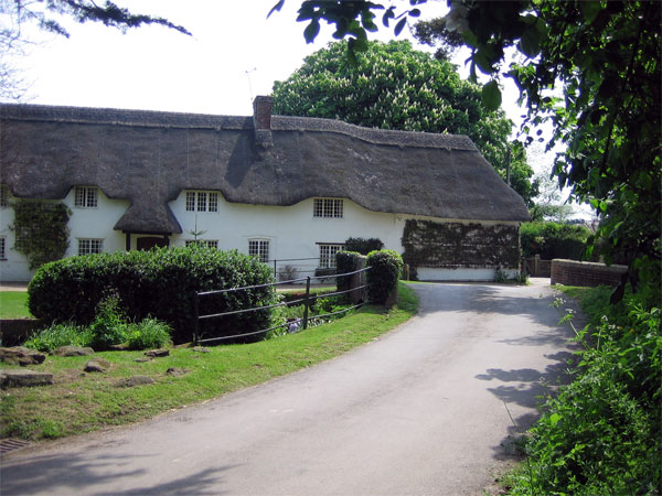 Thatched house at Winterborne Zelston