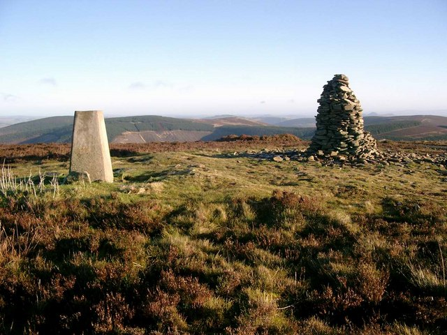 Trig point and cairn, Minch Moor