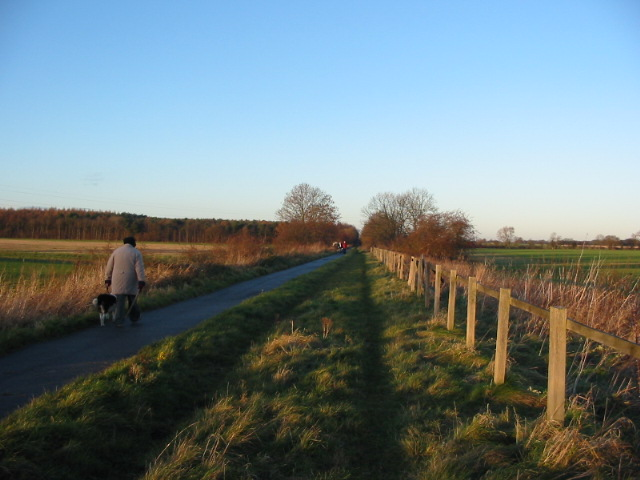 Trans Pennine Trail on the York-Selby railway line