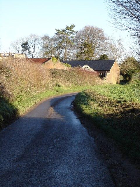 Cranborne Road past Stapleton Farm