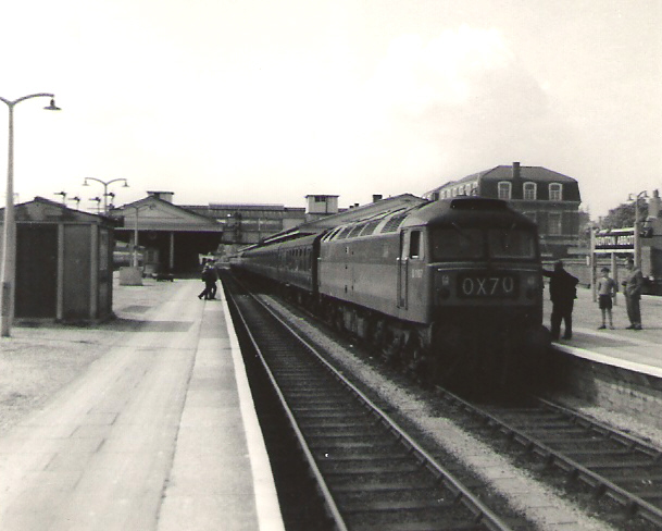 Express at Newton Abbot