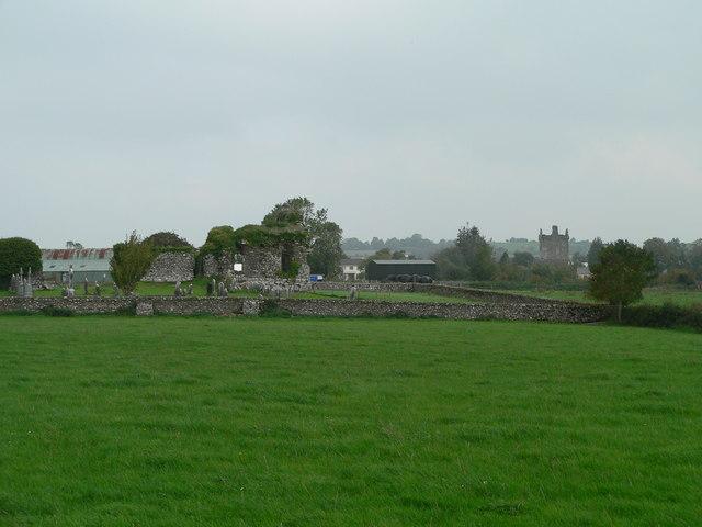 Knockgraffon Churchyard and Castle