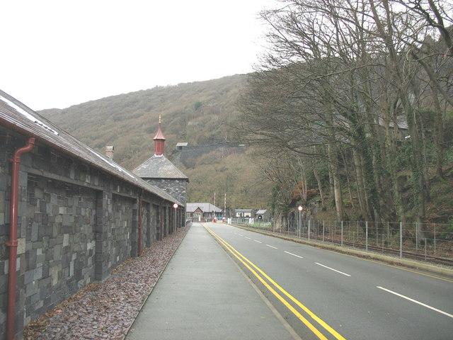 The Gilfach Ddu Road