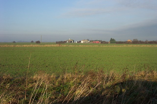 Across the fields to Hundred Acre Farm